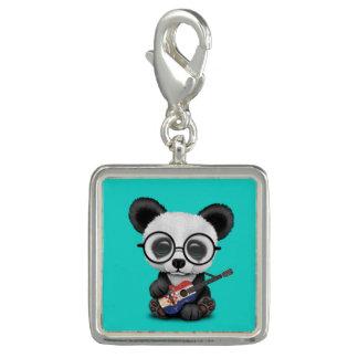 Breloque Panda de bébé jouant la guitare croate de drapeau