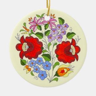 Broderie hongroise de fleur d'OPUS Ornement Rond En Céramique