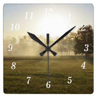 Brouillard de matin d'Ozarks Horloge Carrée