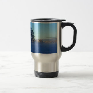 Brouillard de neige d'hiver mug de voyage