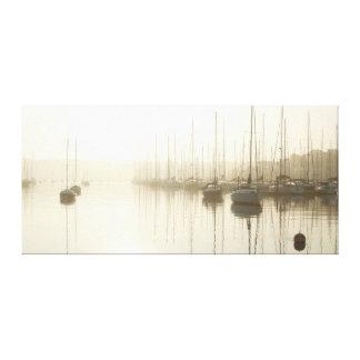 Brouillard et voiliers de matin à la toile d'art