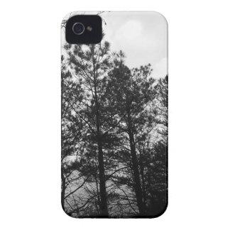 Brouillard hanté éthéré brumeux en bois de forêt coques Case-Mate iPhone 4