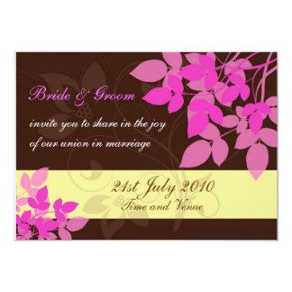 Brown et faire-part de mariage rose