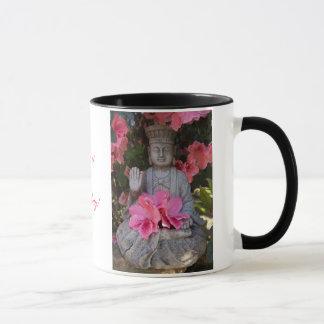 Buddah sous la tasse d'azalées