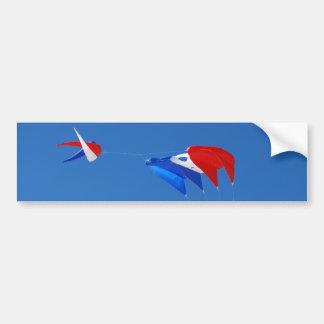 Bumpersticker rouge, blanc, et bleu de cerf-volant autocollant pour voiture