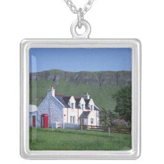 Bureau de poste, Linicro, île de Skye, montagnes, Pendentif Carré