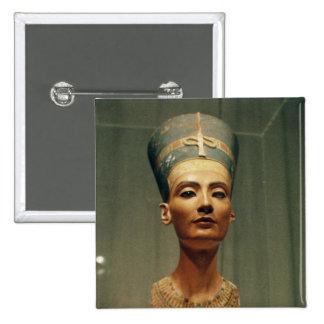 Buste de la Reine Nefertiti, vue de face Badges
