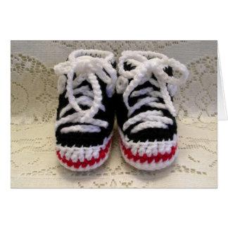 Butins de bébé de chaussures de tennis carte de vœux