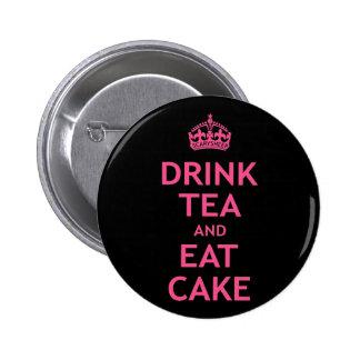 Buvez du thé et mangez le gâteau badges avec agrafe