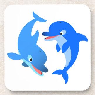 Caboteurs de jeu mignons de dauphins de bande dess dessous-de-verre