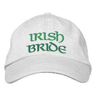 Cadeau de mariage brodé par jeune mariée casquette brodée