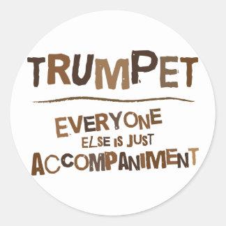 Cadeau drôle de trompette adhésifs ronds
