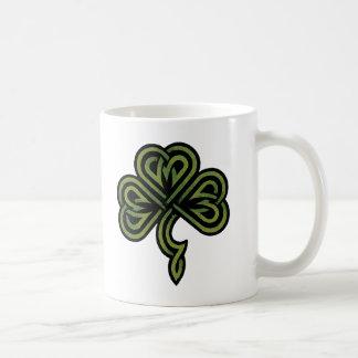 Cadeau irlandais de shamrock tasses