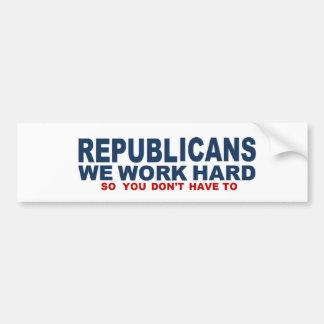 Cadeau pour le républicain que nous travaillons autocollant de voiture