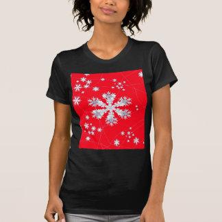 Cadeaux rouges de dérive de flocons de neige par t-shirt