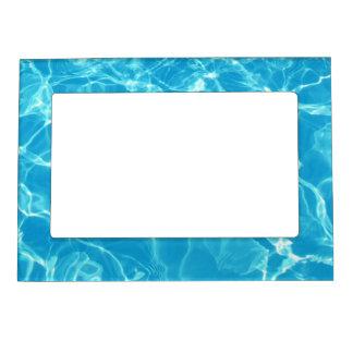 Cadre Magnétique Natation dans la piscine