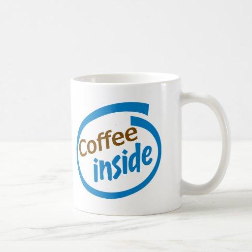 Café à l'intérieur tasse à café