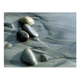 Cailloux sur la plage carte postale