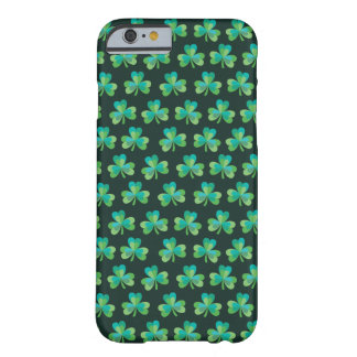 Caisse noire de l'iPhone 6/6S de shamrock à peine Coque iPhone 6 Barely There