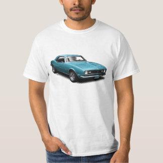 Camaro bleu superbe sur le T-shirt blanc
