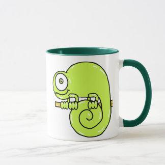 Caméléon de bébé mugs