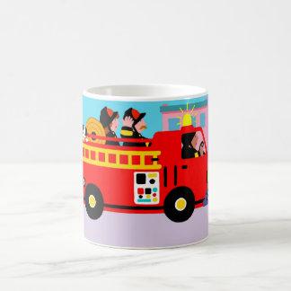 Camion de pompiers occupé mug blanc