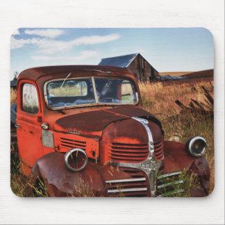 Camion orange de rouillement de Dodge avec la Tapis De Souris