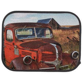 Camion orange de rouillement de Dodge avec la Tapis De Voiture