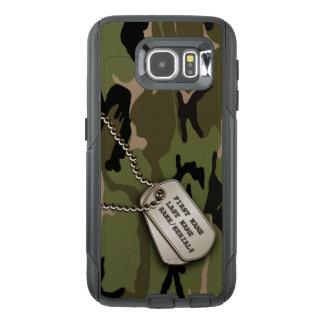 Camouflage vert militaire avec des étiquettes de