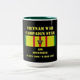 Campagne d'offensive d'air mug bicolore