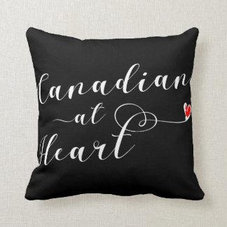 Canadien au coussin de jet de coeur, Canada