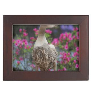 Canard en bois avec des fleurs boîtes à souvenirs
