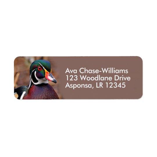 Canard en bois masculin dans les bois étiquettes d'adresse retour