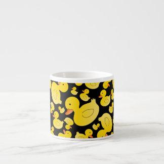 Canards en caoutchouc noirs mignons tasse expresso