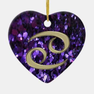 Cancer de signe de zodiaque d'or sur l'ornement ornement cœur en céramique