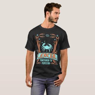 Cancer torturé au T-shirt de zodiaque de