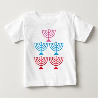 Candélabre juif d'étincelle de Menorah de juifs T-shirt Pour Bébé