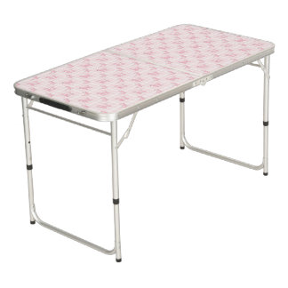 Caniches et contrôles roses mignons table beerpong