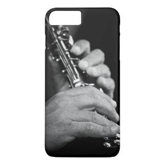 Cannelure étant jouée en noir et blanc par le coque iPhone 7 plus