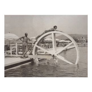 Cannes, sur la plage en 1935 posters