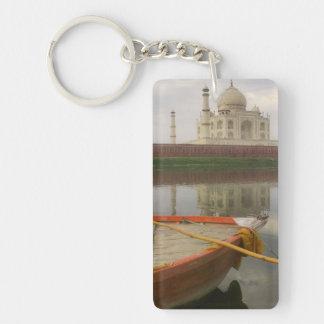 Canoe dans l'eau avec le Taj Mahal, Âgrâ, Inde Porte-clé Rectangulaire En Acrylique Double Face