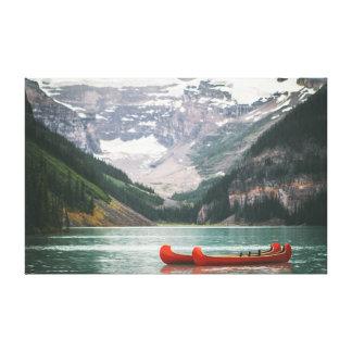 Canoë sur le ciel de la montagne | de l'eau | toiles
