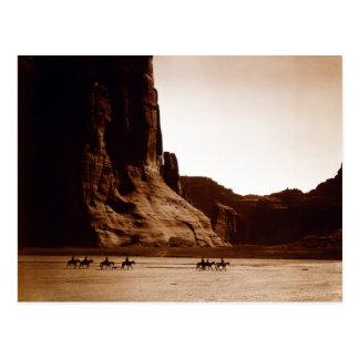 Canyon de Chelly Navajo par E.S. Curtis 1904 Cartes Postales