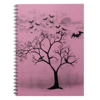 Carnet Battes et corneilles de Halloween dans l'arbre