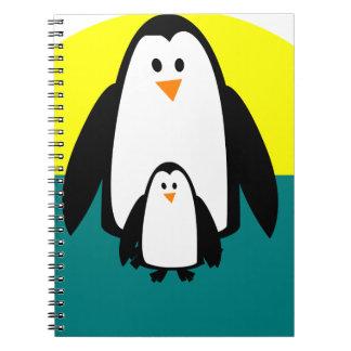 Carnet beau heureux de bébé de pingouin de joie animale