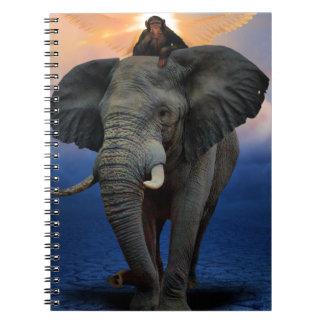 Carnet beau heureux de bébé d'éléphant de joie animale