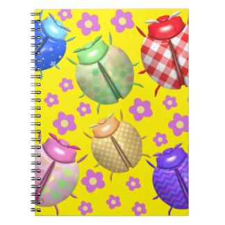 Carnet Coccinelles colorées et fleurs mignonnes pour la