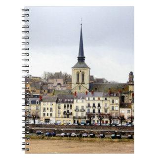 Carnet de photo de scène de berge de Saumur