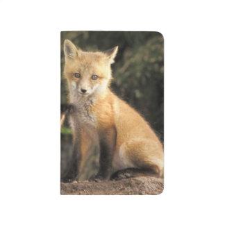 Carnet De Poche Chiot de Fox rouge devant le vulpes de Vulpes de