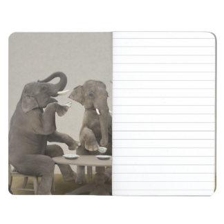 Carnet De Poche Éléphants ayant le thé